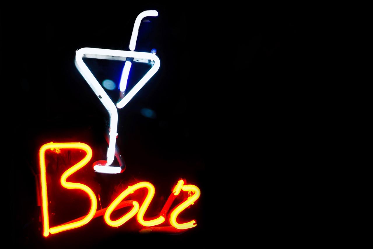bar-neon-sign